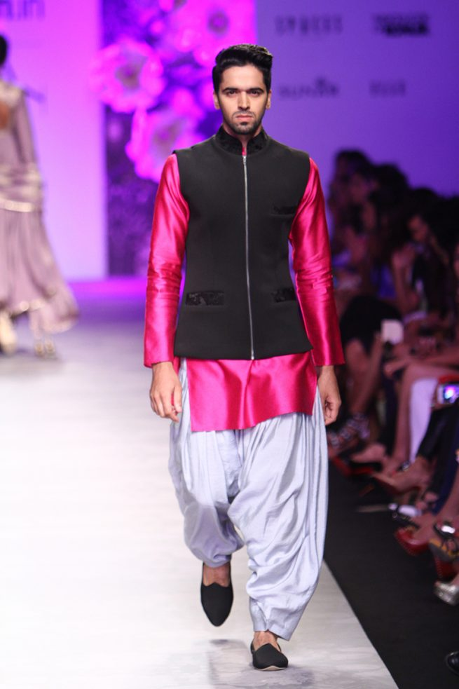 Siddartha Tytler - India Fashion 2016 (21)